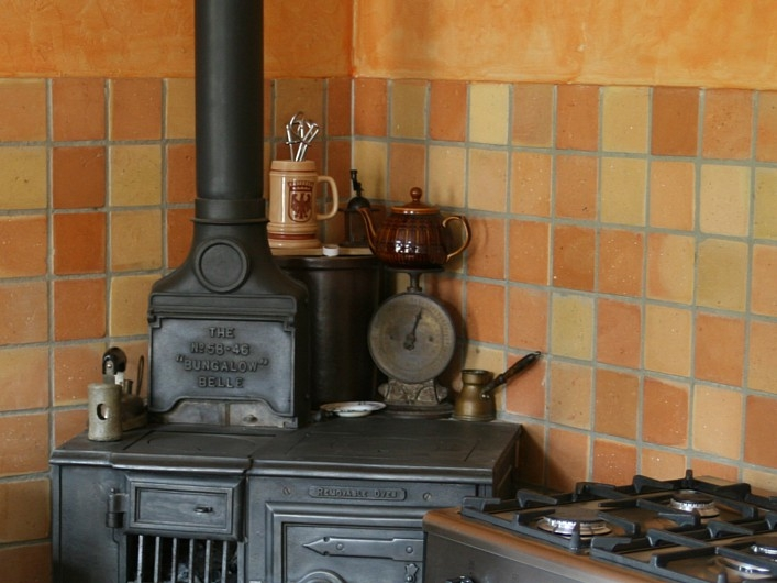 terracotta-kitchen-backsplash-tiles-pictures